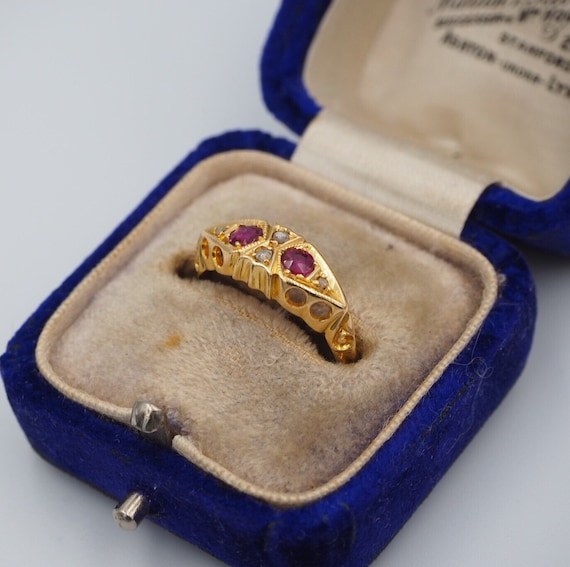Antique 18ct Yellow Gold Diamond and Ruby Ring, Si