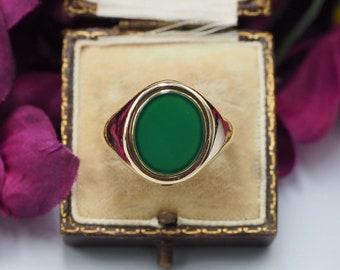 Vintage 9ct Gold Green Agate Signet Ring, Size V 1/2 or 11.25, Engagement Ring, Statement Ring, Vintage Green Agate Signet Ring, Vintage