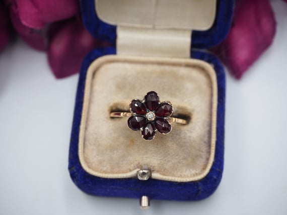 Antique 9ct Gold Garnet and Diamond Flower Ring, … - image 3