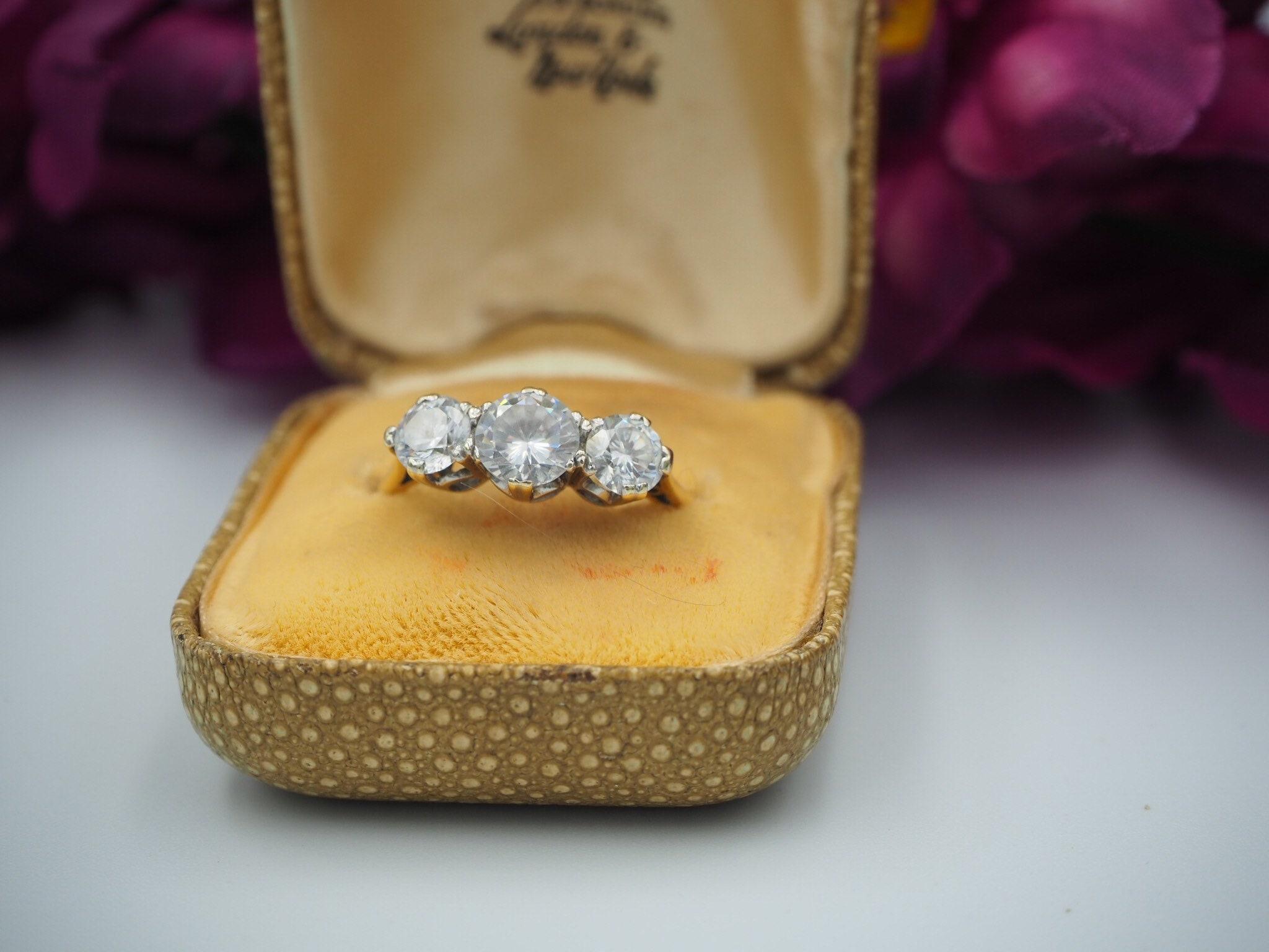 5542de5c6e80e Vintage 9ct Gold Cubic Zirconia Ring With Original Box, Size Q or 8.