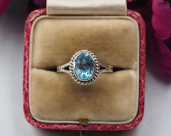 9ct White Gold Topaz Solitaire Ring, Size K 1/2 or 5.75, Vintage Engagement Ring, Vintage Topaz Ring, Topaz Solitaire Ring , Blue Stone Ring