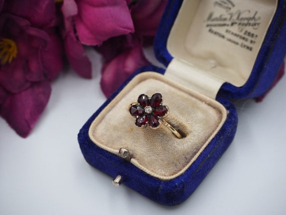 Antique 9ct Gold Garnet and Diamond Flower Ring, … - image 2
