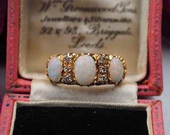 Vintage 18ct Gold Opal and Diamond Ring and Box, Size Q 1/2 or 8.75, Statement Ring, Engagement Ring, Vintage Opal Ring, Vintage Diamond