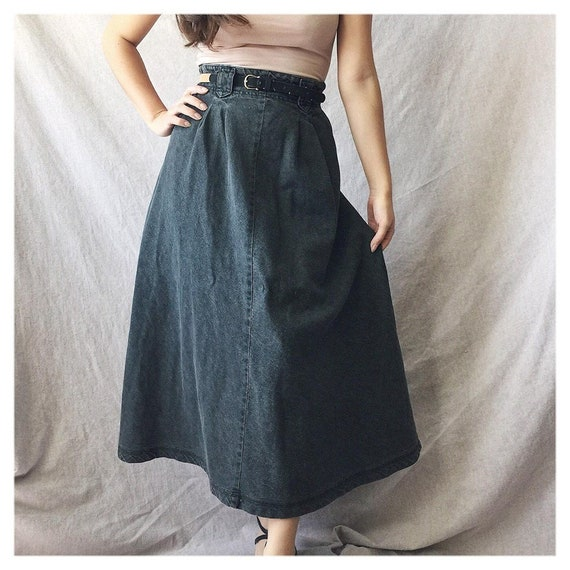 "30"" Waist Eddie Bauer Denim Skirt with Pockets, Bl"