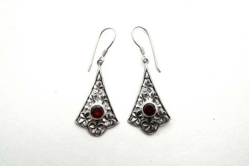 Garnet Silver Earrings with Flower Pattern Bali
