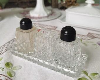 Alte pressed Glass-Menage 5 pcs