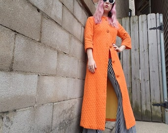 d2b9875e673b VIntage 60s 70s Orange Quilted Duster Robe Long Cardigan