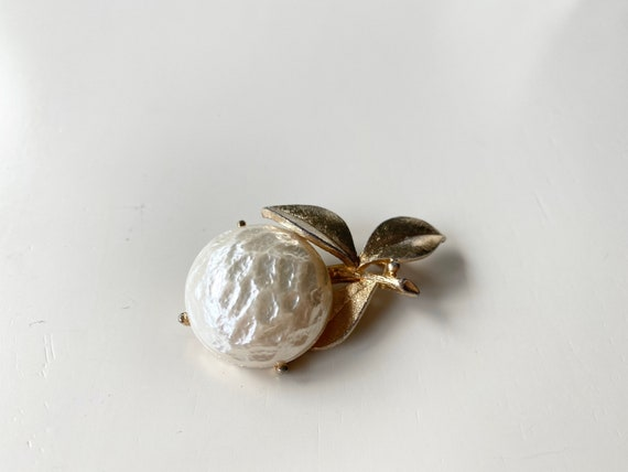 Pearl fruit by Sarah Coventry - image 1