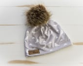 Autumn tuque birds and triangles on pale grey background, newborn tuque, baby, child, adult, pom pom tuque