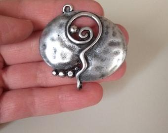 Set of 5pcs metal Pomegranate pendants