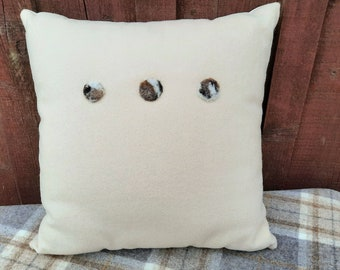 Uan Wool: Wool Cushion with 3 handcrafted wool button embellishments