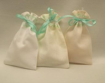 Uan Wool: Lavender filled Cotton , Merino  Sachets