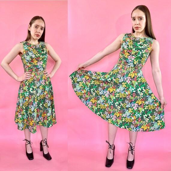 Vintage 1950s cotton day dress floral mad men