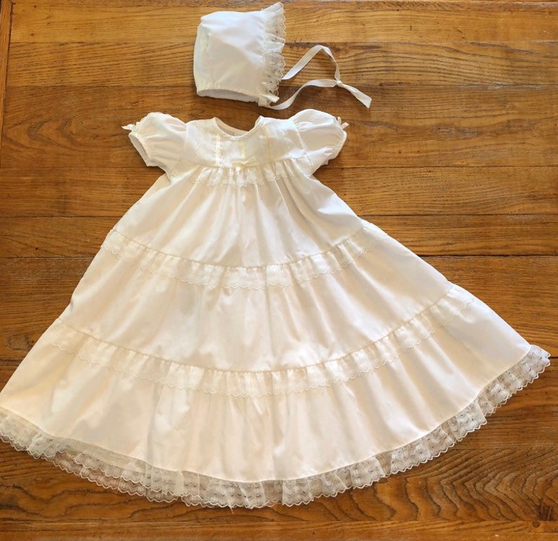 fee1467a531c GORGEOUS Vintage White Three Tiered Lace Christening