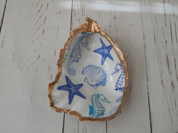 READY TO SHIP Decoupage oyster shell with seashell design, oyster shell ring dish decor
