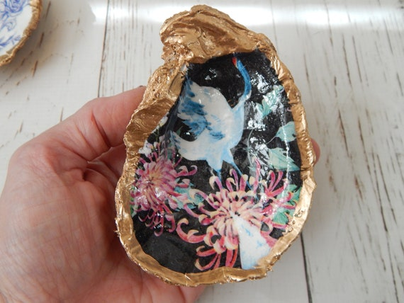 READY TO SHIP Decoupage oyster shell with floral design, oyster shell ring dish decor
