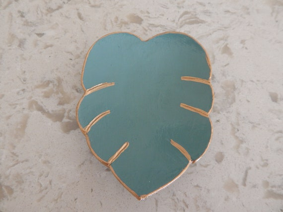 Handmade monstera leaf air dry clay dish, floral design, jewelry storage dish, handmade gift