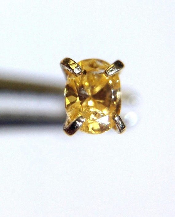 New Natural .11CT Fancy Vivid Yellow Oval Diamond 14K Yellow Gold Nose Ring Stud