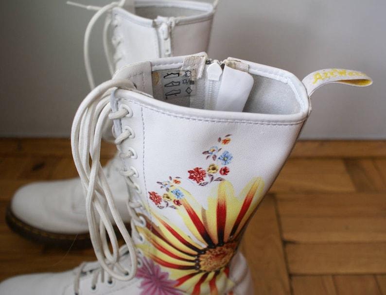 sklep w Wielkiej Brytanii duża obniżka różne kolory Vintage Dr. Martens Floral Print High Boots, Dr Martens White Boots, Dr  Martens 15 holes boots, Dr Martens Flowers Boots, Air Wair Boots