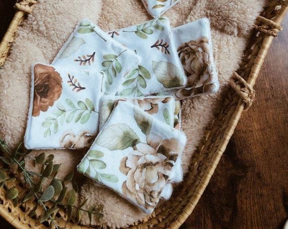 set birth bib floral wipes