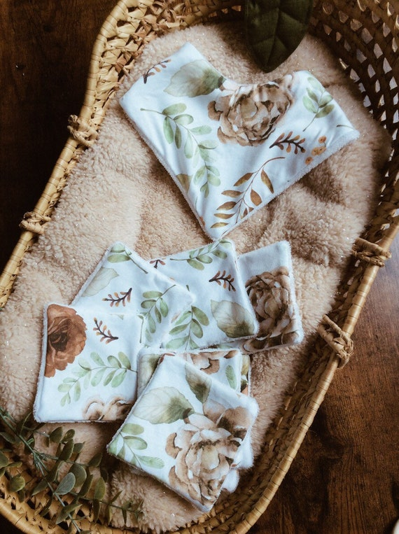 set birth bib floral wipes
