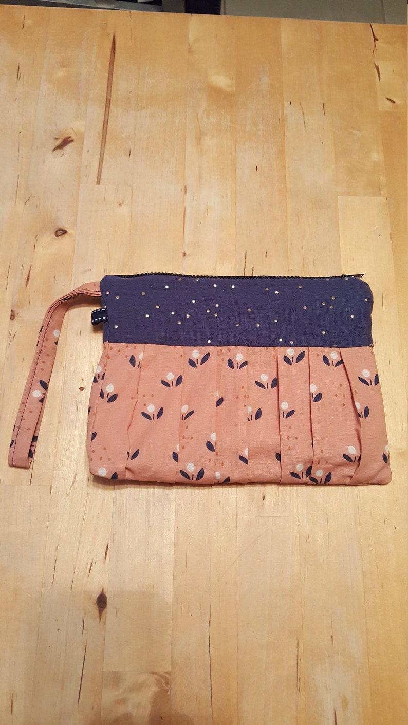 Pocket with blue flowers-