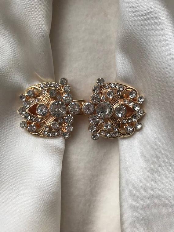 Jacket Clip Elizabeth in Black or Silver ClassiClip Cardigan Clip  Brooch