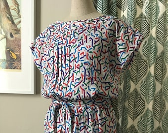 80s Colorful Short Sleeve Midi Dress with Pleated Detail -- Medium