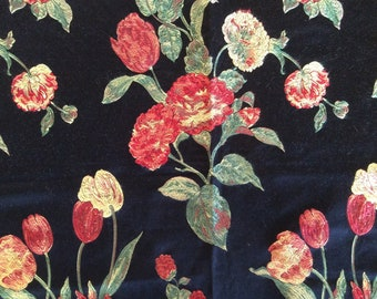 Fabric: TAPESTRY of FLOWERS  Table Topper  25 inches Square