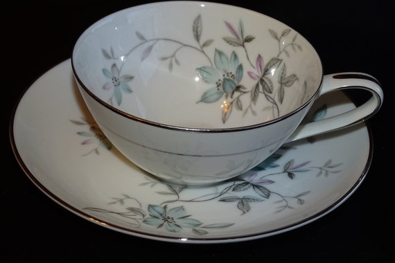 Silk Ribbons 3996 by Noritake for table mismatch set wedding Pink white floral vintage place settings. home decor or collection event
