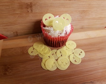 24 x PRECUT CHRISTMAS//XMAS EMOJI//EMOTICON RICE//WAFER PAPER CUP CAKE TOPPERS