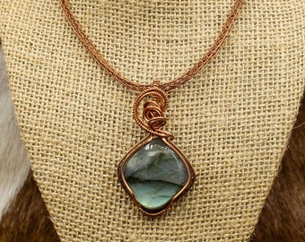 Unnheim - Copper and Labradorite pendant