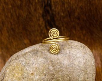 Brass Celtic Spiral Semi-adjustable ring