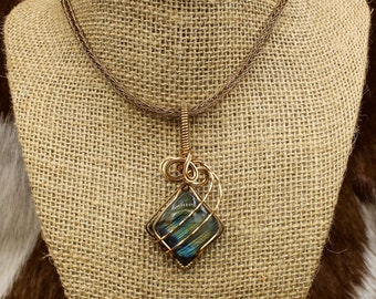 Leiftra Skríns - Bronze and Labradorite pendant on Viking Knit necklace