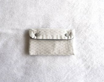 Troy silver seigaiha pattern quilted glasses case