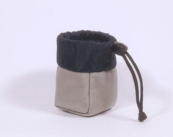 Yo-Yo pouch - 'Cube' // Silver & Navy Blue
