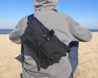 EVERYDAY BAG 2.0 , Roll Top Messenger Bag with AustriAlpin Cobra ® Buckles // Techwear SlingBag Travel Bag  // Cordura® 500D - Custom Colors