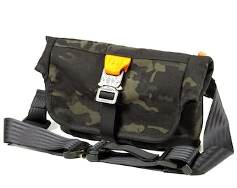 EVERYDAY BAG 2.0 , Roll Top Messenger Bag with AustriAlpin Cobra ® Buckles // Techwear SlingBag Travel Bag  // Multicam® Black Cordura® 500D