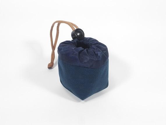Yo-Yo pouch - 'Cube' // Navy Blue