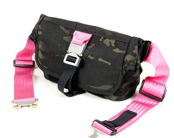 EVERYDAY BAG 2.0 , Roll Top Messenger Bag with AustriAlpin Cobra ® Buckles // Techwear SlingBag Travel Bag  // Multicam® Black Cordura® 500D