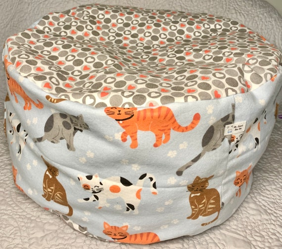 Marshmallow Plush Bed for cats/ small dogs