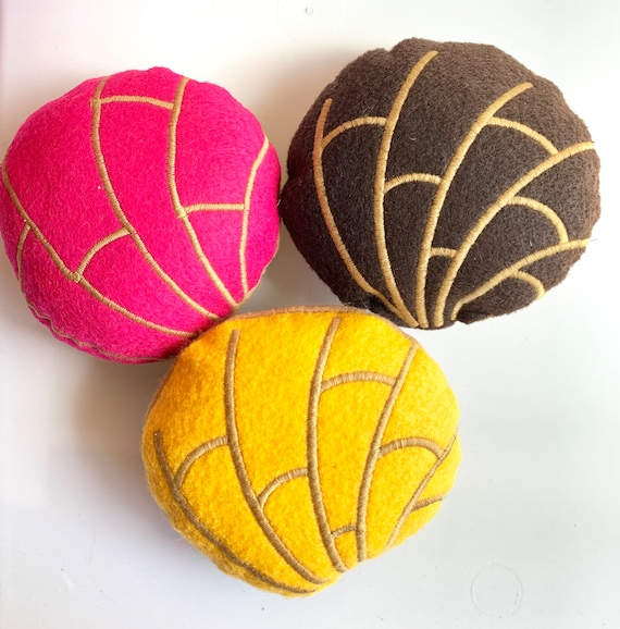 Pan Dulce Conchas Catnip Toys/ Dog Toy