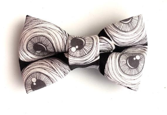 I See You! Eyeballs Pet Bow Tie