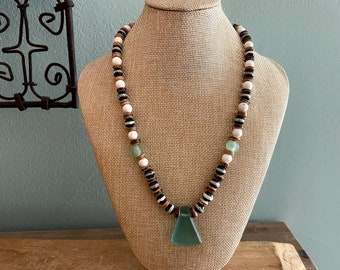 Mens Beaded necklace with Howlite and Agate with Seaglas pendant, Surfer necklace, Beach Jewelry, Gift for men