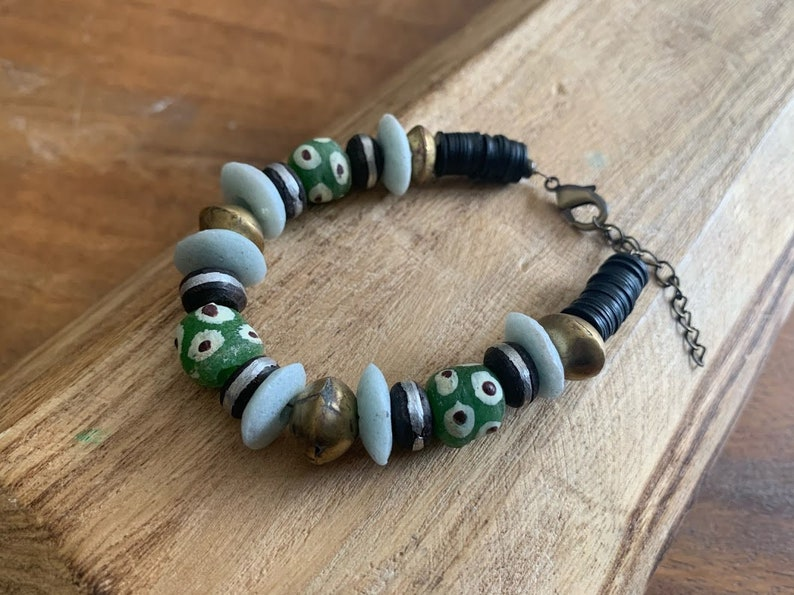Womens beaded bracelet with African materials Ethnic/&Bohemian bracelet Recycle glass bracelet Chunky Bracelet