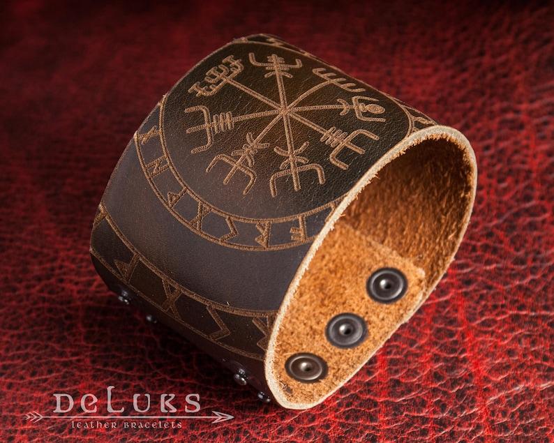 Leather and bronze Vegvisir unisex viking bracelet