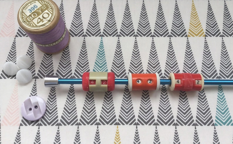 VintageRetro Knitting Row Counters IX Products Made in England 1950/'s Compact 1980/'s On Needle Row Counters Choice of Styles Aero