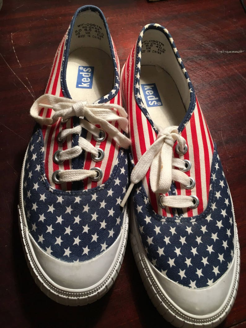 4c9e925eb43 Vintage Keds American Flag shoes womens size 9 US stars