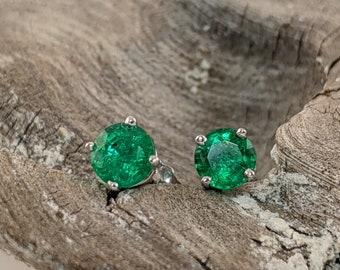 Unique Emerald Earrings in White Gold