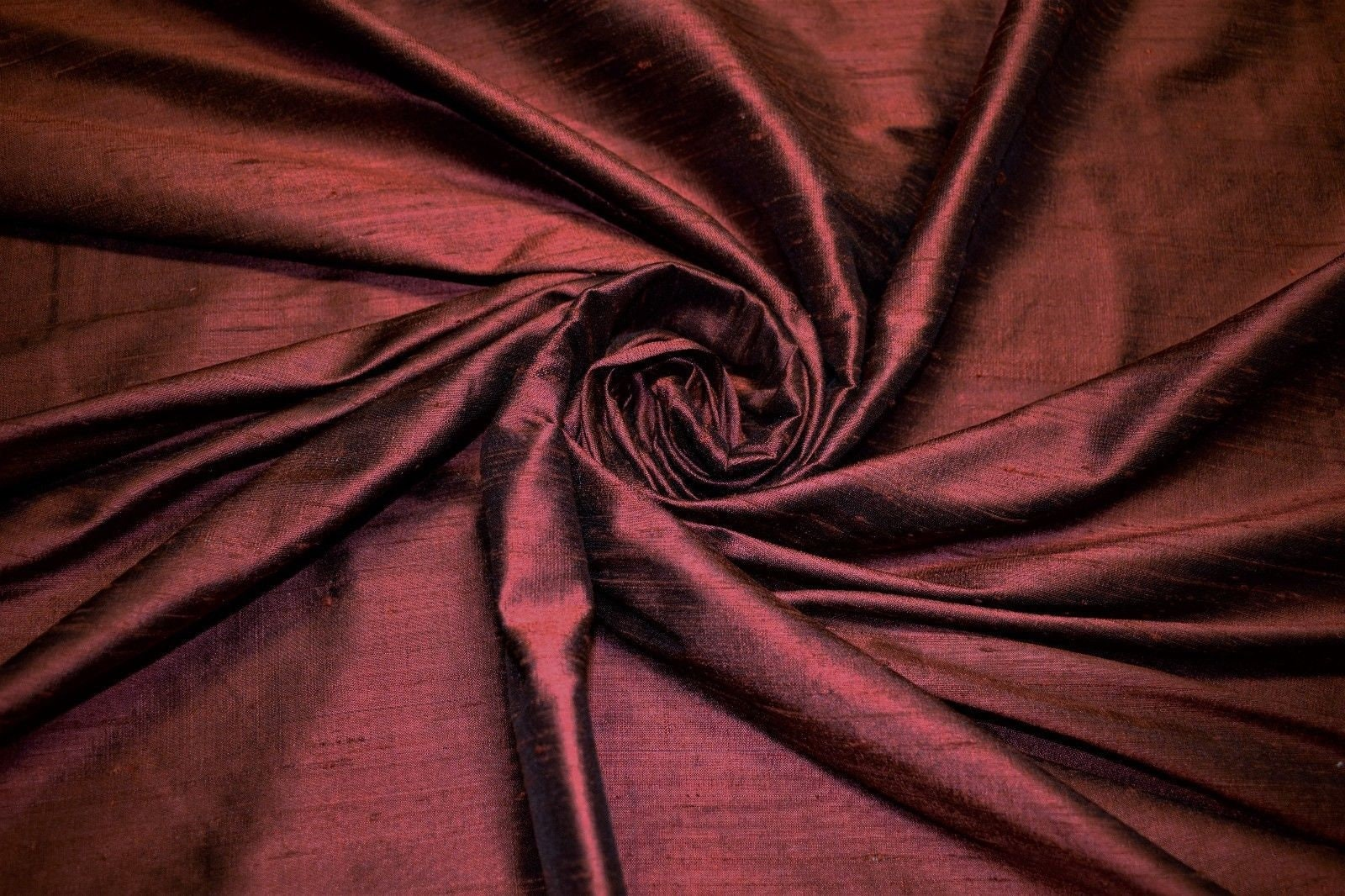 silk fabric for lady capulets dress   White fabric texture